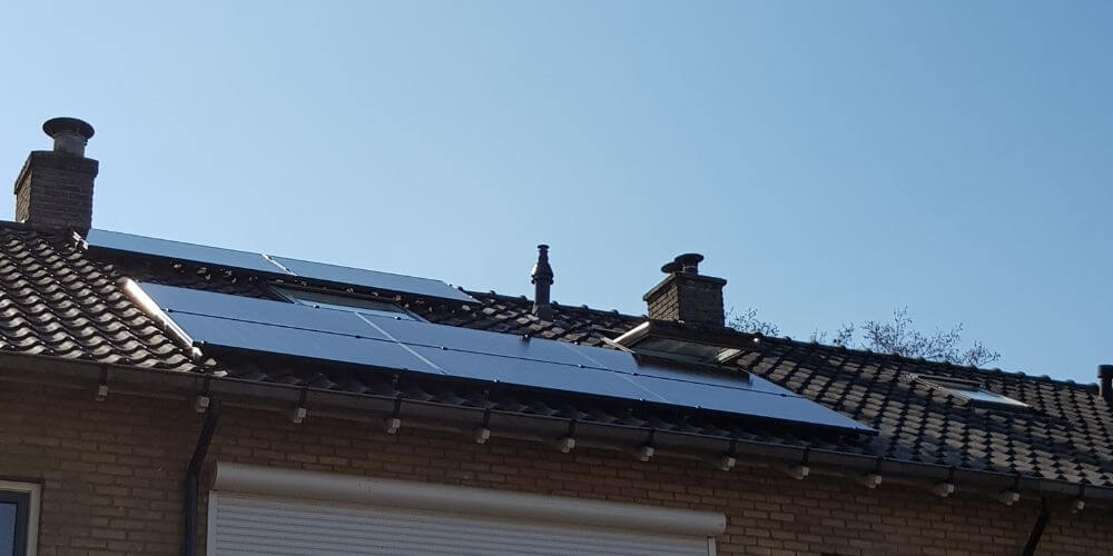 installatie-met-zonnepanelen-in-soest